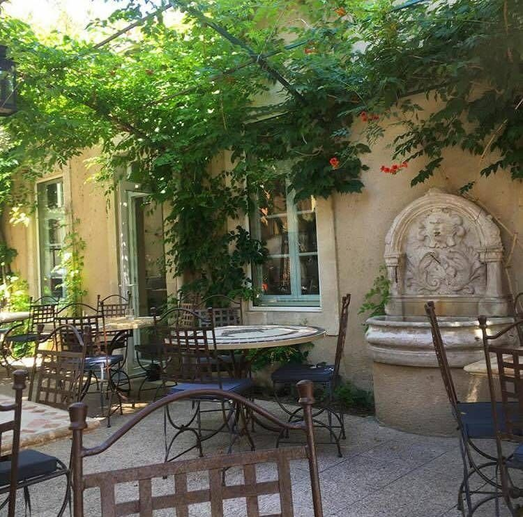 Adresse - Horaires - Téléphone - Maison de la Tour - Restaurant Avignon